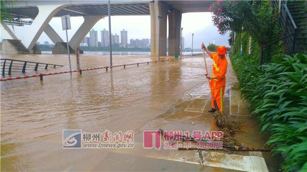 市区河段水位82.25米,即将再次超警!滨江西路、滨江东路等路段已管制