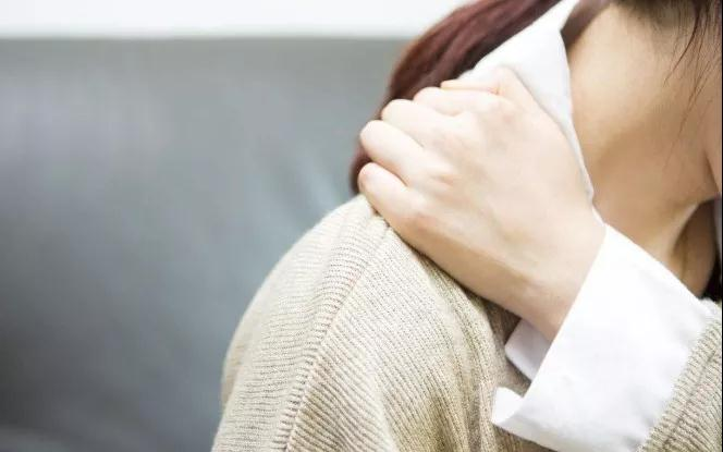 太后悔!女子右肩疼了大半年,一查竟是…醫生:這些疼痛都是前兆